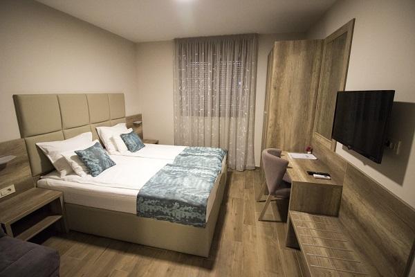 standard room villa divani mostar