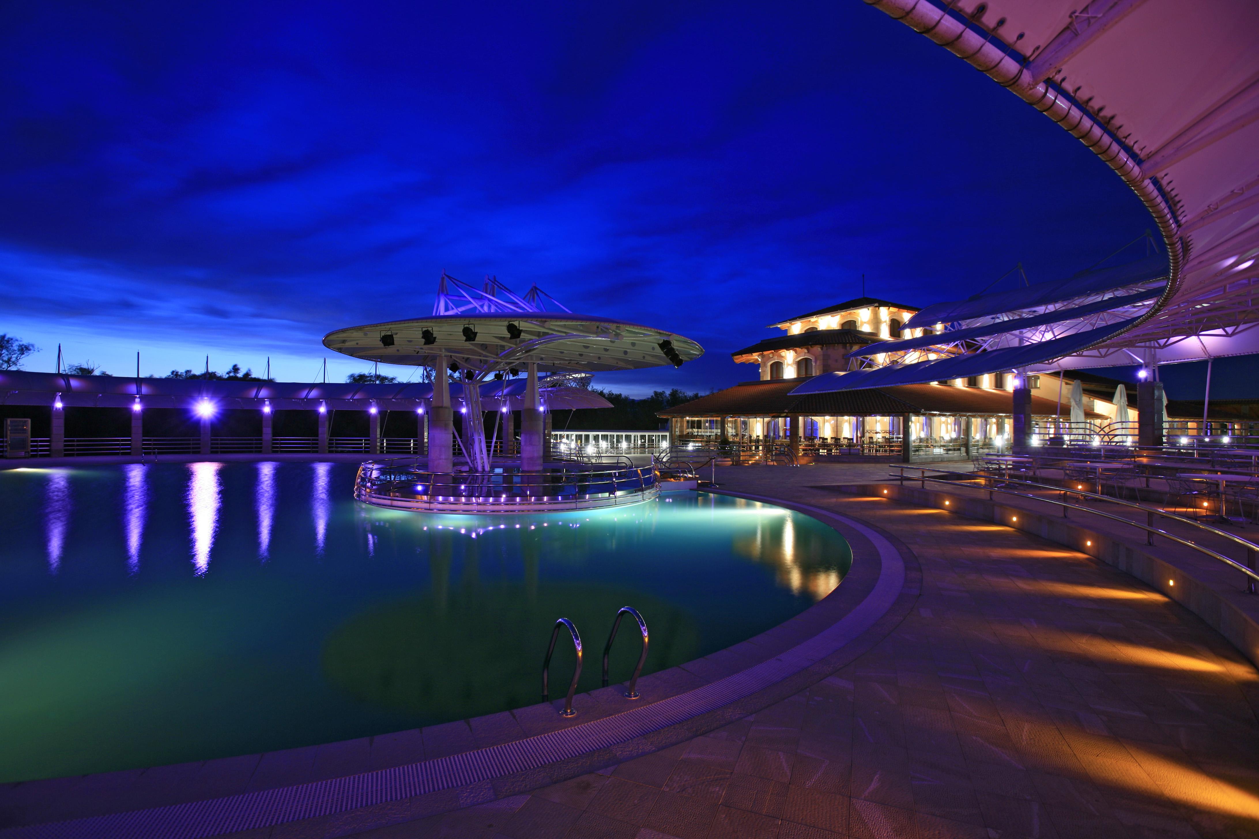 Bazen u turističkom kompleksu Plavnica Eco resort