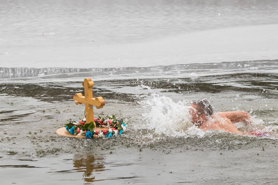 bogojavljanje_plivanje_za_casni_krst_2020_kragujevac