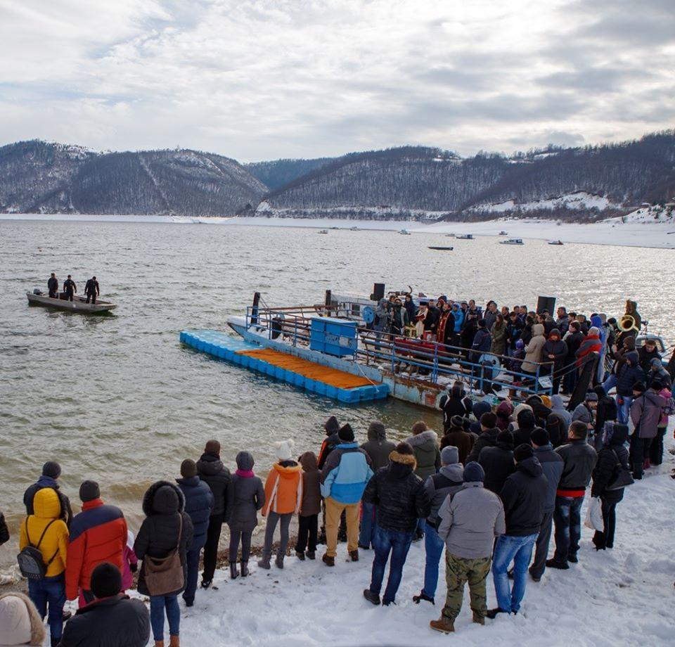 bogojavljenje plivanje za casni krst 2020 kokin brod