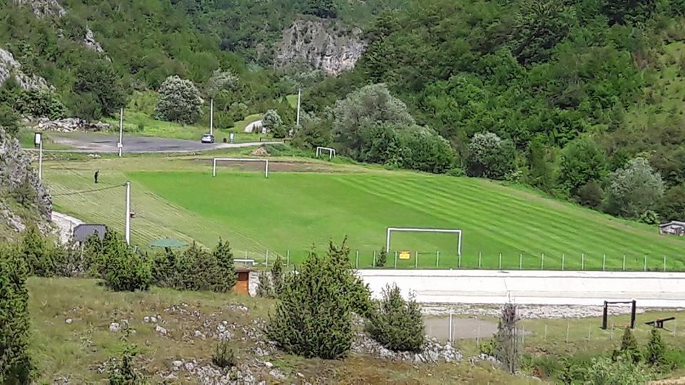fudbalski_teren_gostiljska_vrela