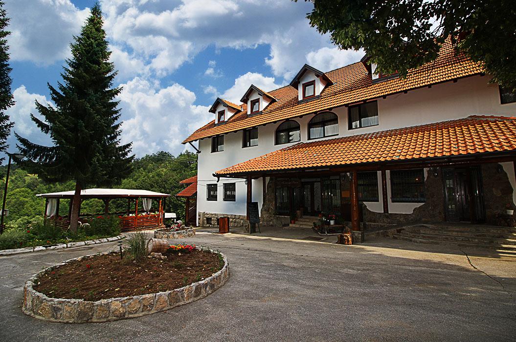 hotel_gostiljstiljska_vrela_ulaz
