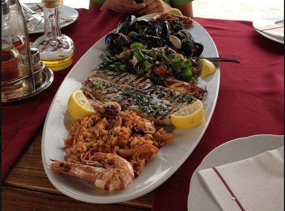 Konoba Ribar Kostajnica Razni specijaliteti od plodova mora