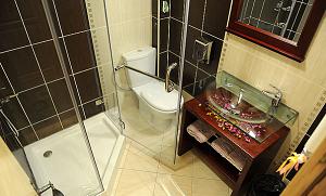 kupatilo-u-apartmanima-hotela-mount