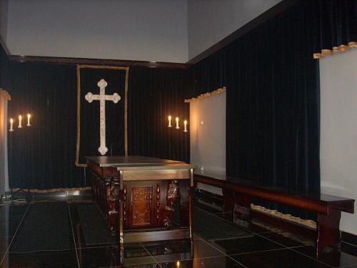 Usluga ad Bačka Topola Proizvodnja opreme za kompletno opremanje kapela
