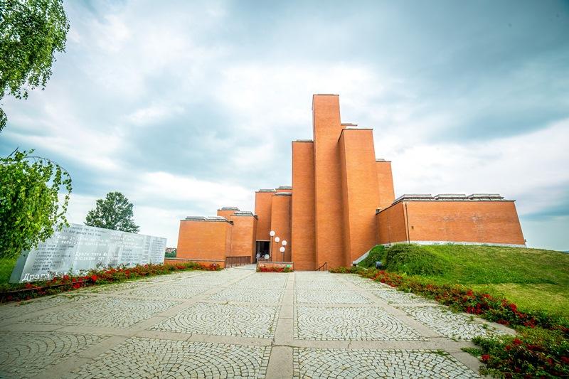 muzej 21 oktobar kragujevac