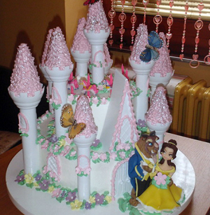 rodjendanska_torta_za_devojcice-lepotica_i_zver_poslasticarnica_u_obrenovcu_najsladja_kuca_marina