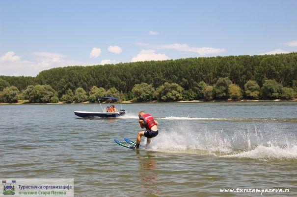 skijanje_na_vodi_dunav_belegis