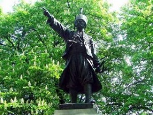 spomenik-knezu-milosu-pozarevac