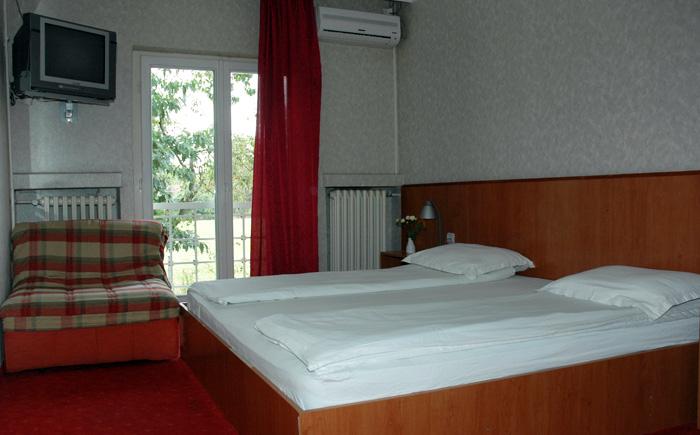 Smeštaj u sobama motela Stari Hrast u Markovcu pored autoputa