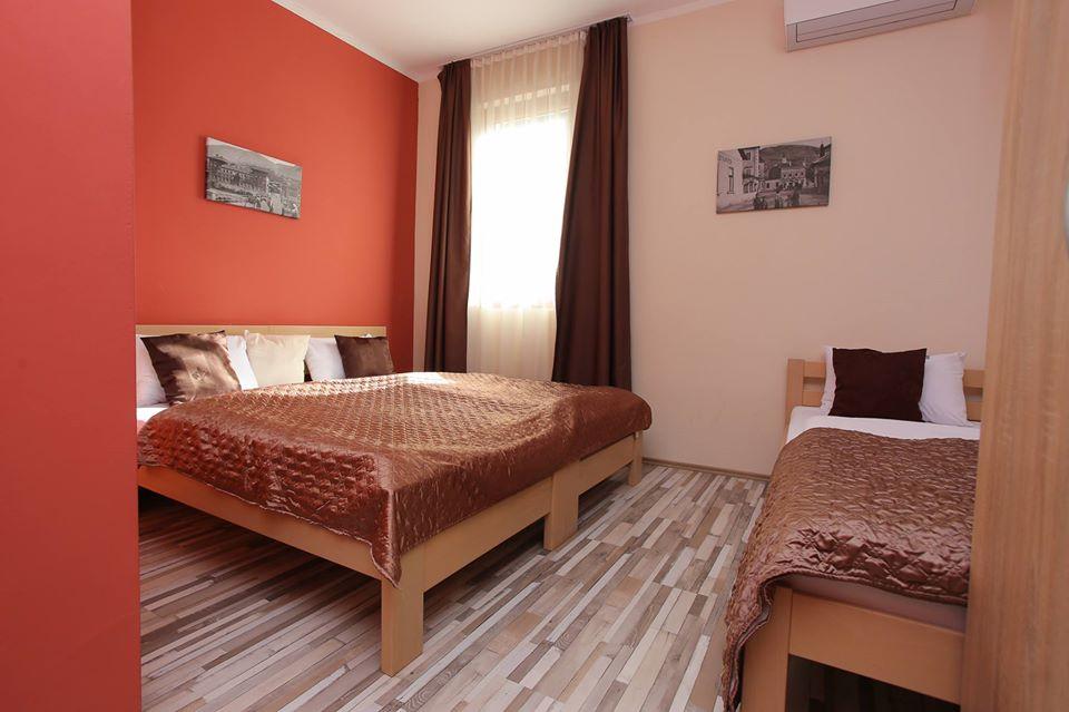 trokrevetna_soba_hotel_villa_hana_mostar