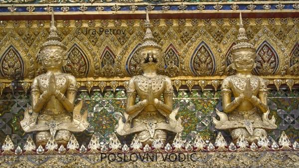 zlatni_polubogovi_rakse_detalj_carska_palata_bangkok_tajland
